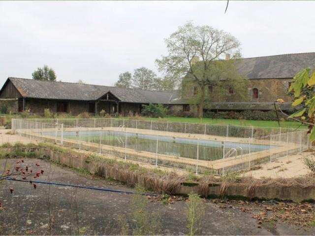 Le bassin avant sa rénovation, récompensée aux Trophées de la piscine 2015 de la FPP
