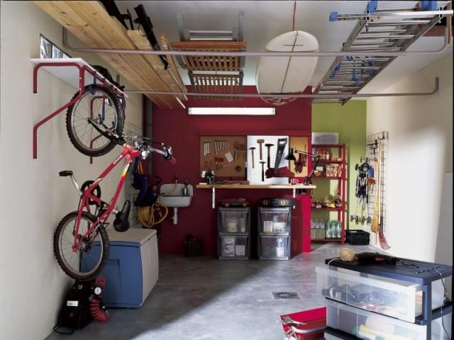 Des solutions pour aménager intelligement son garage et gagner de la place