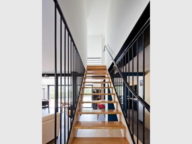 Après : un escalier modernisé au profil élancé