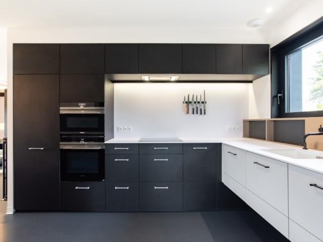 Après : une cuisine moderne et ultra fonctionnelle