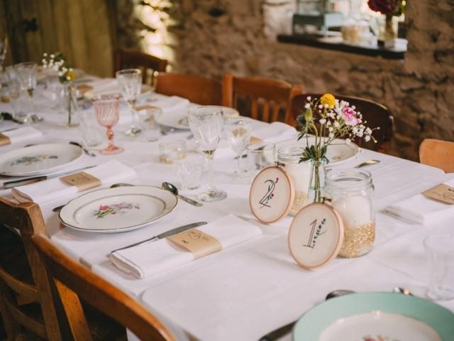 Vaisselle vintage et table Les Beaux Jours