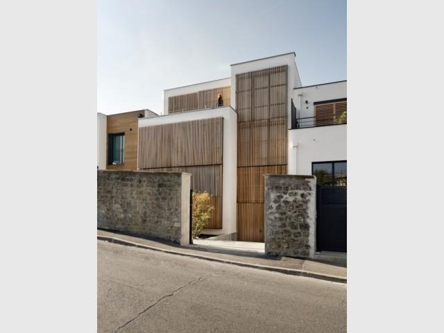 Côté rue, une maison à l'architecture recherchée