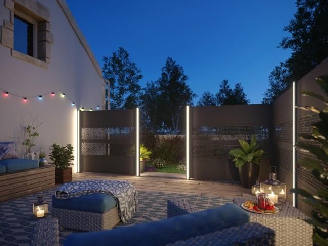 Une clôture avec éclairage intégré pour une ambiance cocon