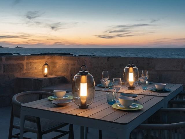 Des sources de lumières nomade pour éclairer le dîner