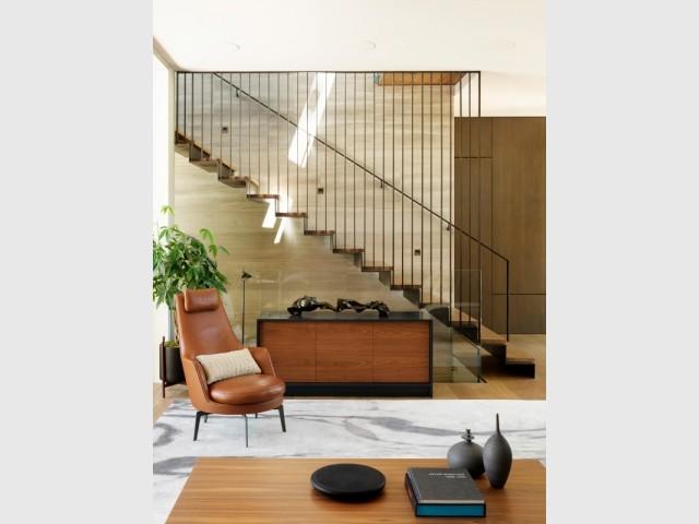 Un escalier à la fois discret, chic et central