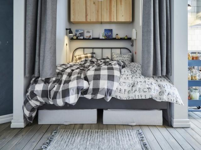Une séparation faite de rideaux pour 7 € le tissu au m2