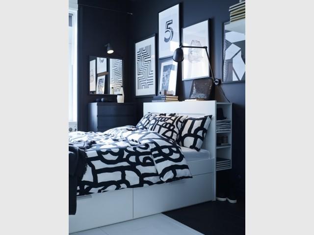 Cadre de lit + tête de lit rangement Brimnes, Ikea, prix : 259 €