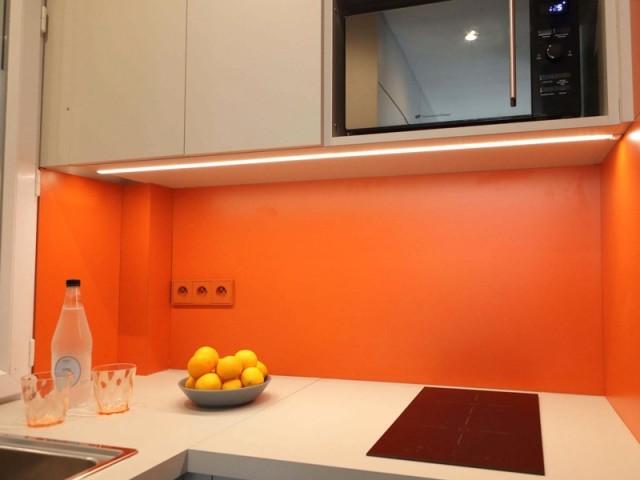 Une cuisine dynamisée par la couleur