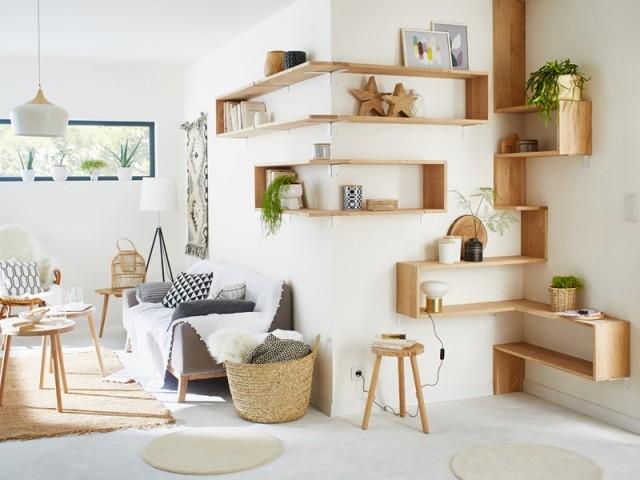 Etagères en bois, réalisation Leroy Merlin, prix : à partir de 18,90 € l'étagère en chêne en 90 cm