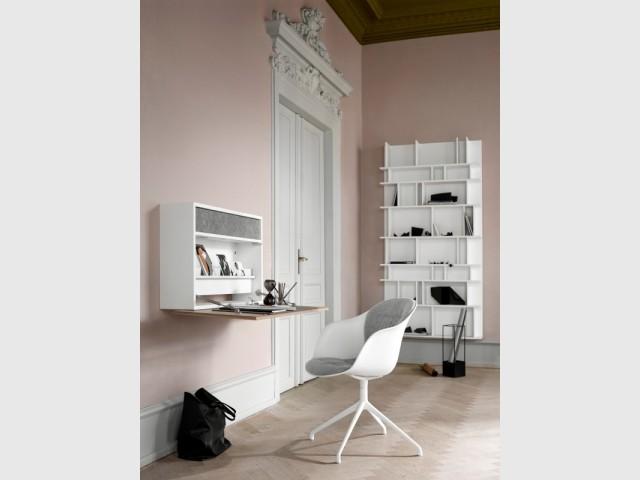 Un bureau caché dans le meuble