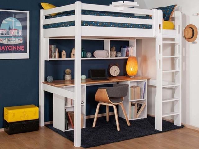 Un bureau sous un lit mezzanine