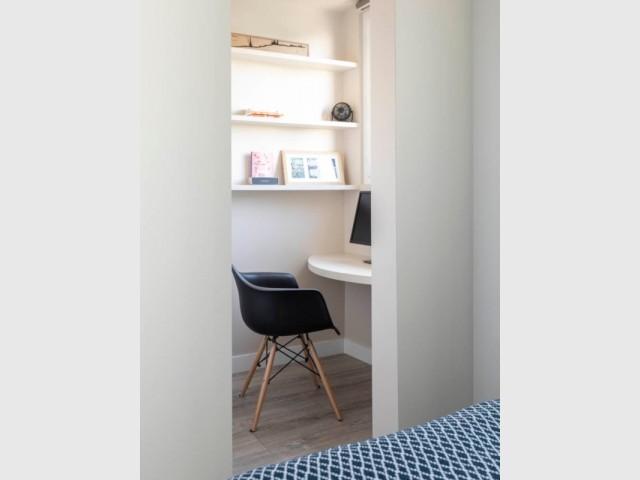 Un bureau à deux pas de la chambre des parents