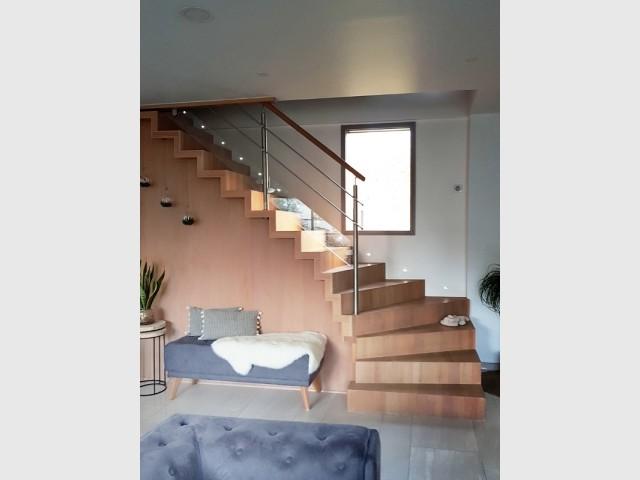 Un escalier aux lignes contemporaines
