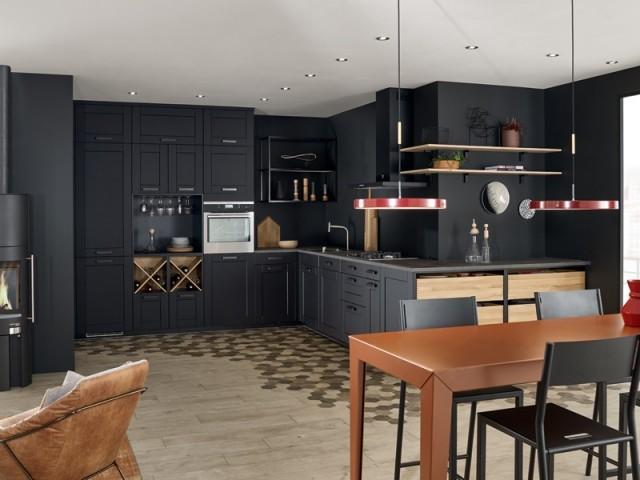 Une cuisine tout en noir