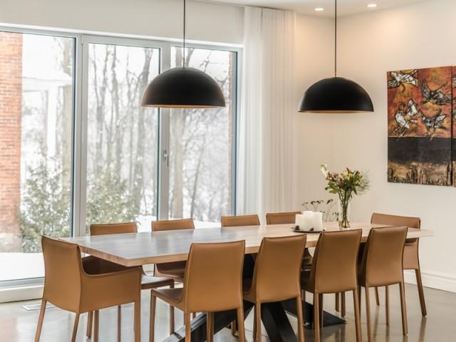 Une salle à manger à l'esprit arty