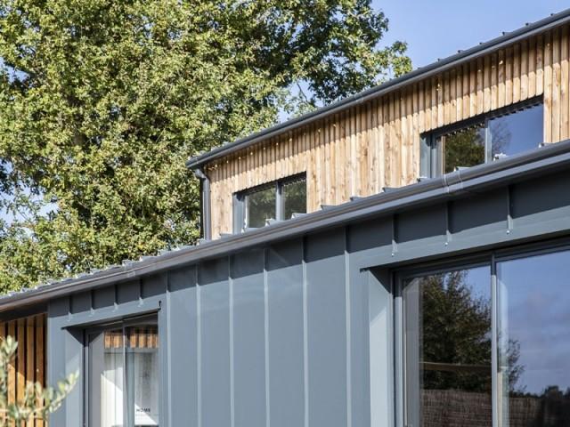 Six containers pour construire une maison de 200 m2