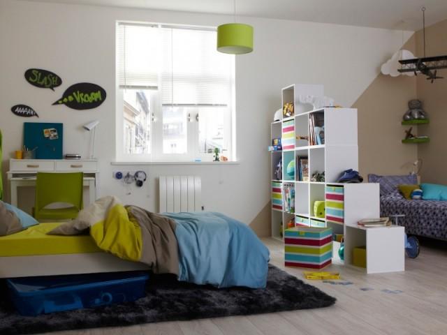 Une bibliothèque pour délimiter les espaces dans une chambre partagée