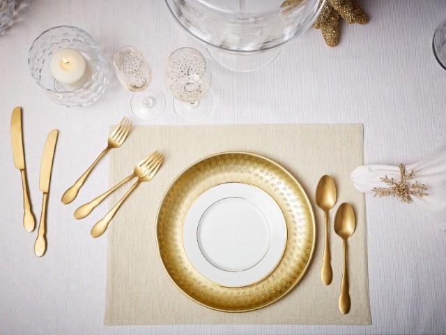 Le doré, une valeur sûre pour une jolie table de fêtes