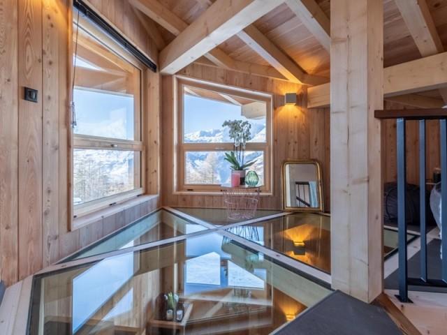 Une mezzanine avec vue