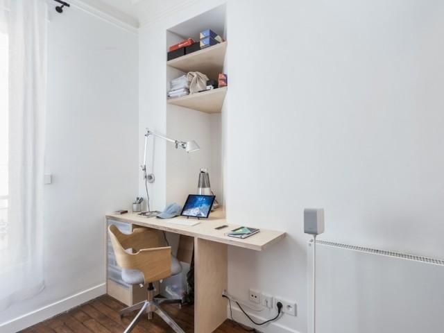 Un petit coin bureau dans une alcôve