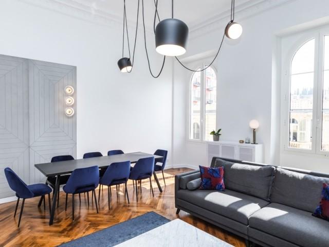 Un intérieur classique subtilement modernisé