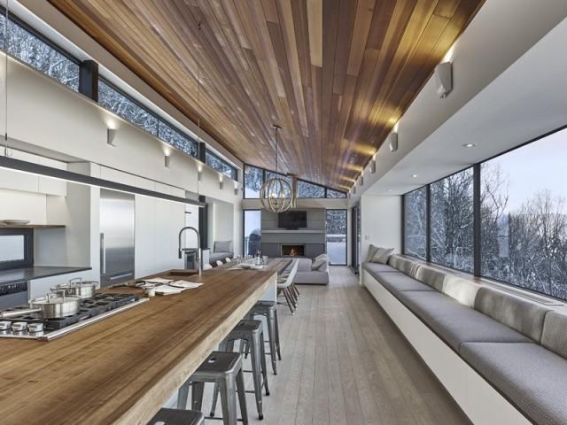 Une grande cuisine ouverte et conviviale
