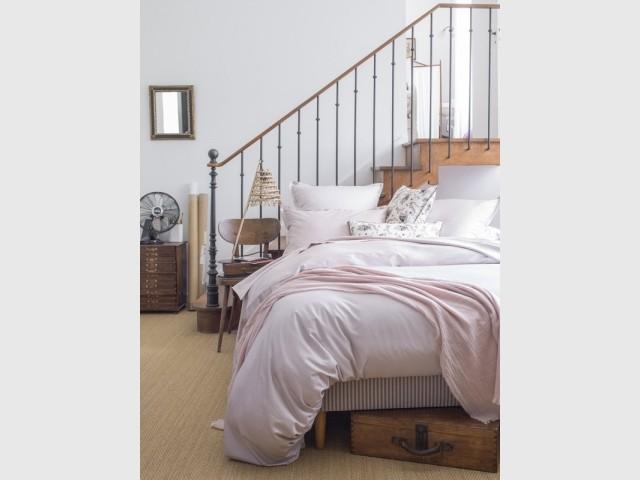 Du linge de lit rose pastel