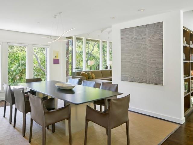 Un intérieur contemporain teinté d'un esprit design