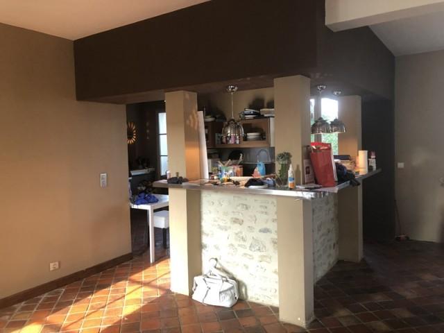 Avant : une cuisine massive et peu fonctionnelle