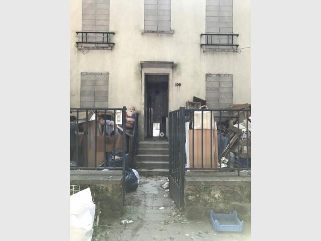 Avant : une maison abandonnée et délabrée