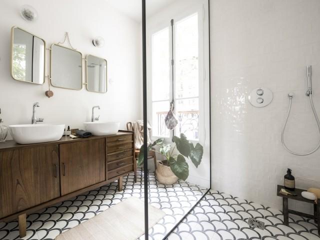 Une salle de bains tout en élégance