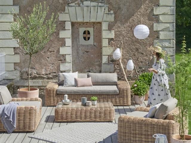 Un salon de jardin en rotin 100% confort