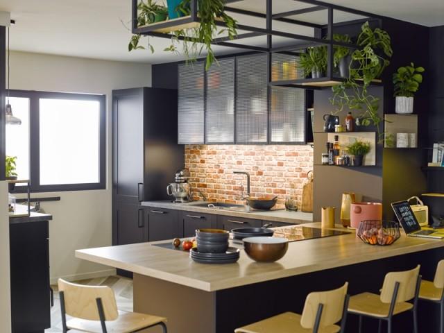 Une cuisine en L au style industriel