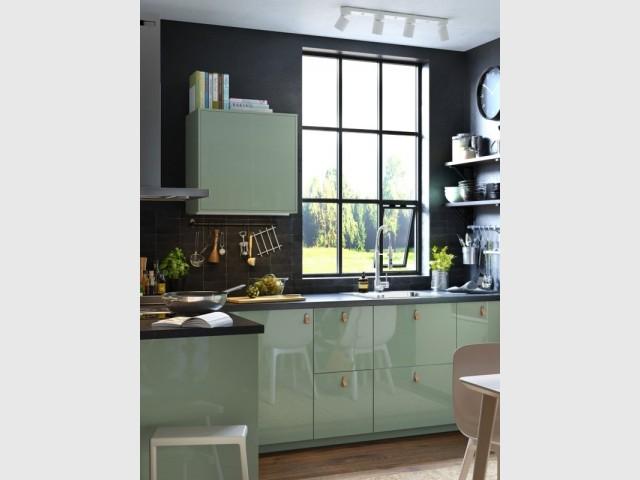 Une cuisine en L aux couleurs pastel