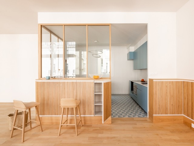 Une cuisine ouverte grâce à une verrière