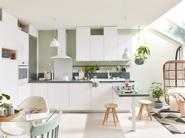 Une cuisine blanche ultra lumineuse
