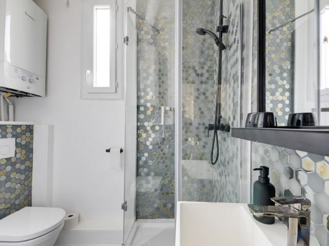Une deuxième salle de bains pour les invités