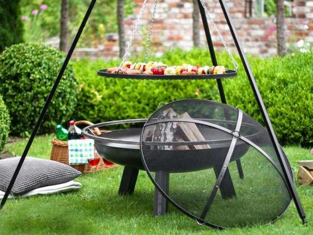 Le plus original : le brasero et sa grille barbecue sur trépied de Cook King