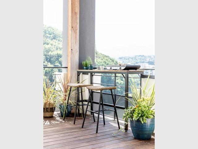 Un mini bar multifonction pour le balcon