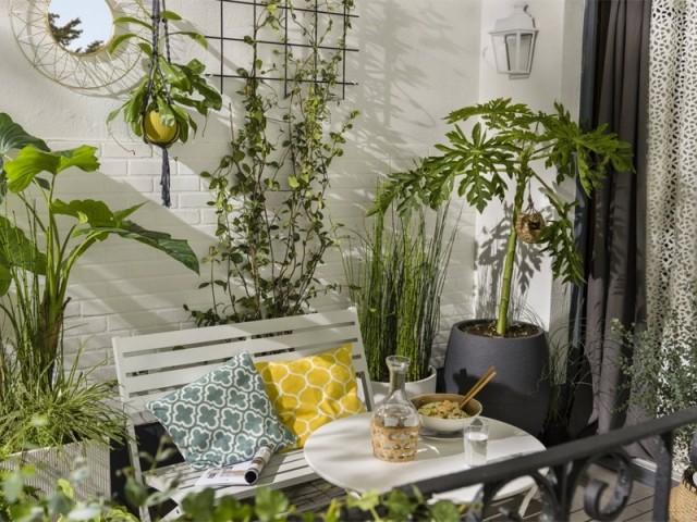 10 solutions gain de place pour aménager un petit balcon