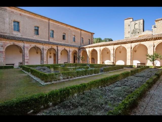 Aude, Abbaye Sainte-Marie de Lagrasse