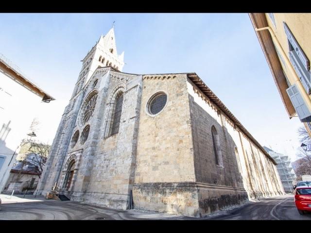 Hautes-Alpes, Cathédrale ND du Real