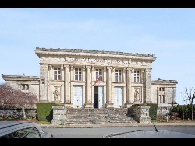 Maine-et-Loire, Ancien tribunal de Baugé en Anjou