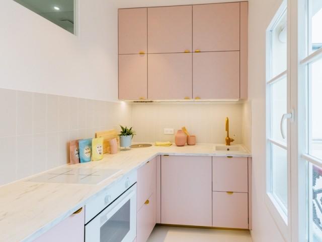 Une cuisine rose pastel