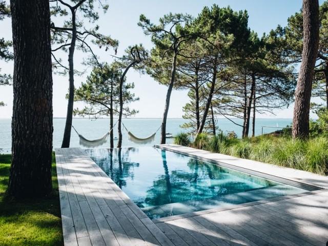 Catégorie piscine familiale de forme angulaire : Prix Spécial intégration paysage