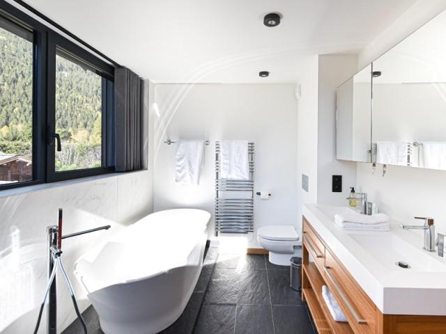 Des salles de bains élégantes