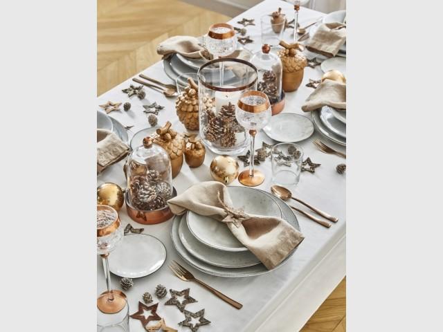 Une table de fêtes aux accents marron glacé