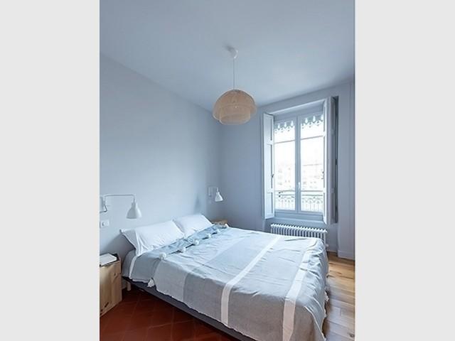 L'ancienne cuisine transformée en chambre à coucher