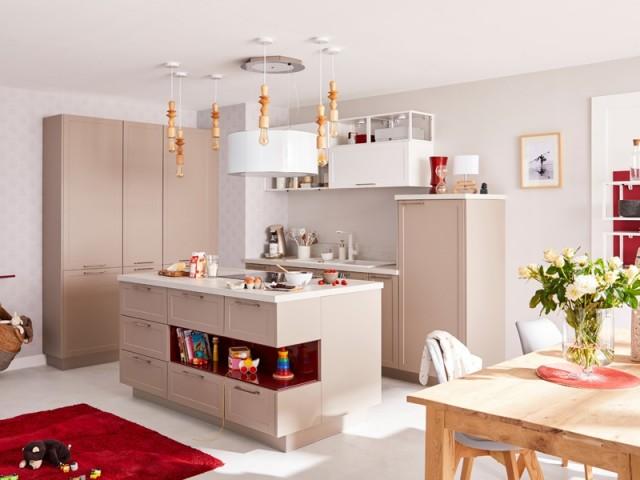 Une cuisine avec îlot pensé pour toute la famille