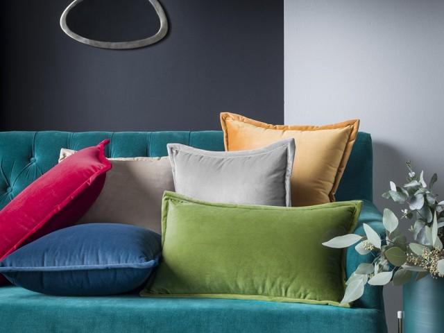 Coussin Orient différents coloris, Anne de Solène, prix : 35 €